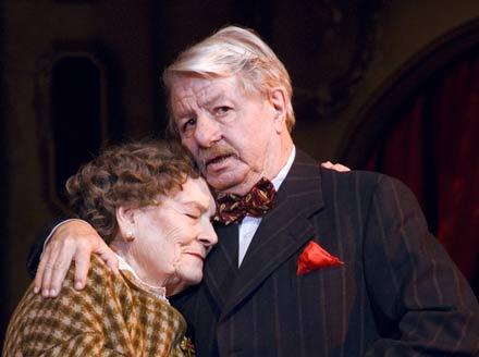 Hilde Sochor und Heinz Petters. Foto: Volkstheater
