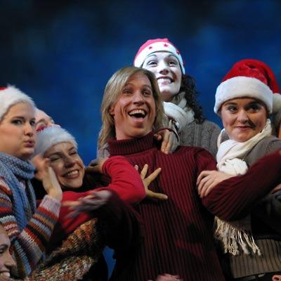 Steven Seale und seine Weihnachtsengerl, 28.11.2004, Foto: Martin Bruny