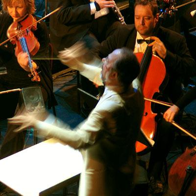 Caspar Richter & das Orchester der VBW, 12.12.2004, Foto: Martin Bruny